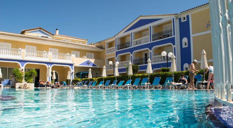 pool side2